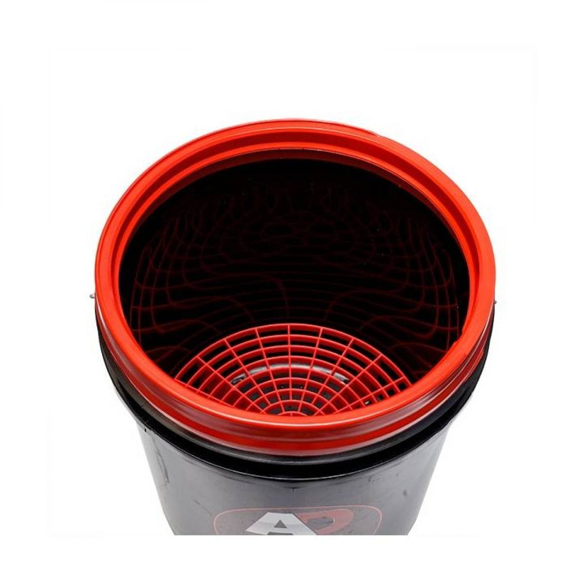 bucket inside with grate